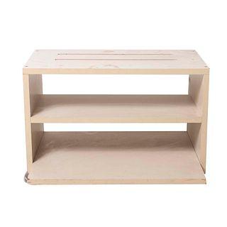Mueble auxiliar. Siglo XX. Elaborado en triplay.  A 3 niveles. 44 x 34 x 60 cm