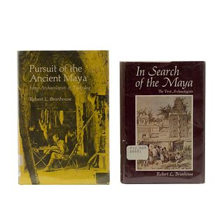 Brunhouse, Robert L. Pursuit of the Ancient Maya / In Search of the Maya. Albuquerque, 1973 /1975. Piezas: 2.