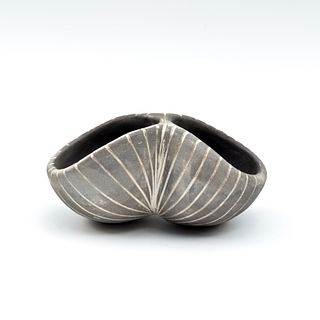 Double Chambered Pinch Pot with Striped Texture
