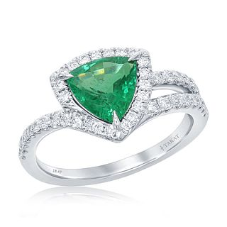 TRILLIO EMERALD RING