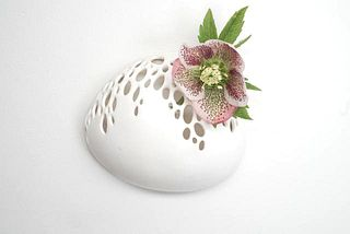 Bubble wall vase