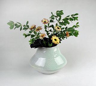 Vase, Bermuda glaze