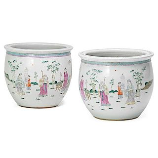 PAIR OF CHINESE FAMILLE ROSE PORCELAIN FISH BOWLS