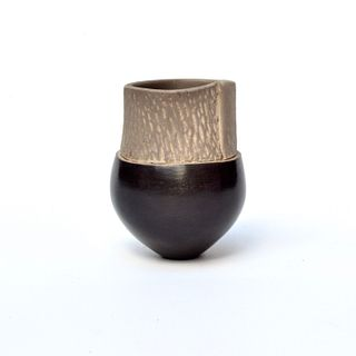 Tiny Pinch Pot with Rain texture