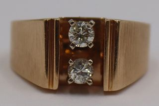 JEWELRY. Men's 14kt Gold and Diamond Ring.