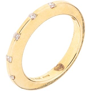 RUBY AND DIAMONDS RING. 18K YELLOW GOLD