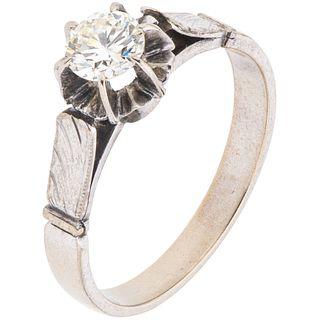 SOLITAIRE DIAMOND RING. 10K WHITE GOLD