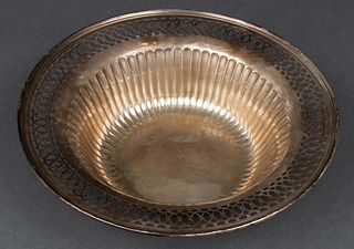 Meriden Britannia Co. Sterling Silver Bowl