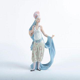 Lladro Figurine, Thena 01006302