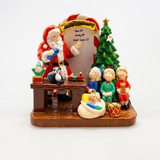 Santa'S Toy Testing Hn5551 - Royal Doulton Figurine