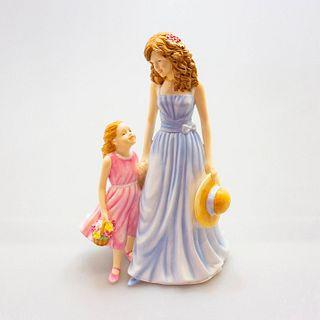 A Tender Love Hn5544 - Royal Doulton Figurine