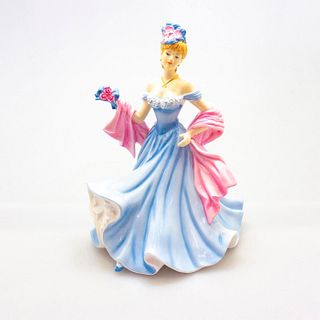 A Tender Moments Hn5554 - Royal Doulton Figurine