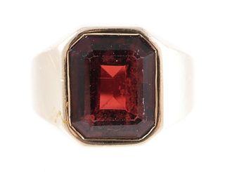 Men's 14K Yellow Gold Garnet Ring