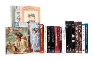 Libros de Arte Moderno. Varios formatos. Títulos: Astrología. Arte e Cultura in età Rinascimentale; Law. A Treasury of Art... Pzs: 20.