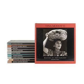 Aperture Masters of Photography. Weegee/ Manuel Alvarez Bravo/ Edward Weston/ Tina Modotti/ Henri Cartier-Bresson... Pzs: 10.
