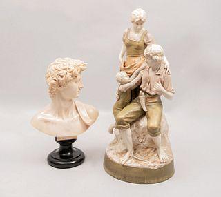 """Lote de 2 piezas. Siglo XX. Consta de: G. RUGGERI Busto de """"El David"""" Reproducción de la obra de Michelangelo Buonarroti. Otro."""