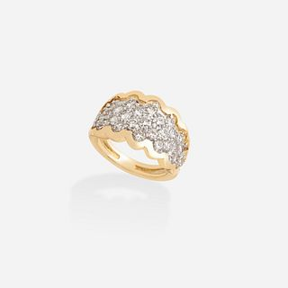 Diamond and gold scalloped ring
