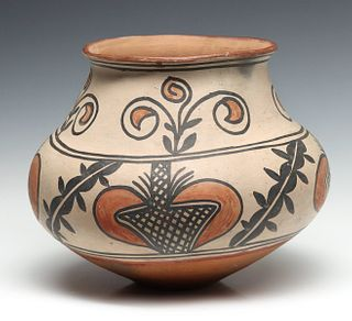A NICE LARGE 19TH C. SAN ILDEFONSO PUEBLO POTTERY JAR