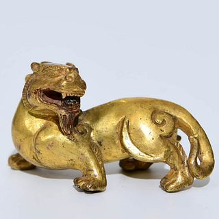 A Bronze 'Chi Tiger' Paper Weight