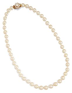A 9CT CULTURED PEARL NECKLACE, the uniform pearls, each app