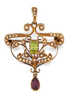 AN EDWARDIAN PERIDOT, AMETHYST AND SEED PEARL PENDANT BROOC
