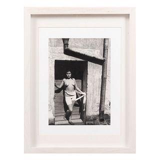 MANUEL ÁLVAREZ BRAVO (Ciudad de México,1902 - 2002) La buena fama despierta, 1938. Fotograbado Impreso en los Italia en 1983. Enmarcado