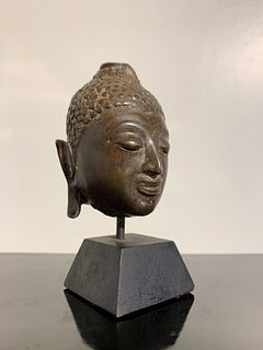 Small Thai Chiang Saen Bronze Buddha Head, 16th Century