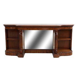 Aparador. SXX. Elaborado en madera enchapada. Con cubierta irregular y vano central con espejo de luna rectangular. 92 x 210 x 46 cm
