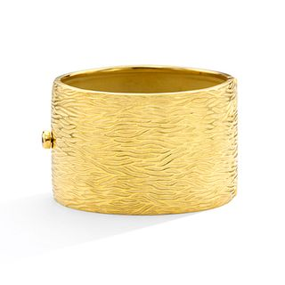 Mish Bark Hinged Cuff, 18k Gold, Bezel-Set Brown Diamond Closure
