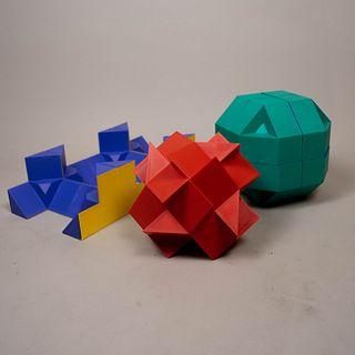 Sebastián. Cubo transformable Durero4 en polímero inyectado / Polymer transformable cube