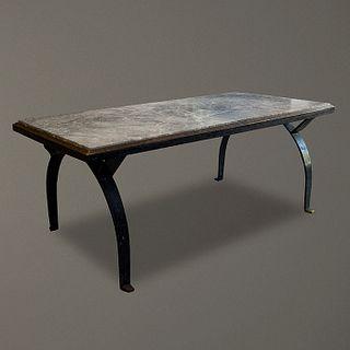 Arturo Pani. Mesa de comedor en hierro y mármol veteado / Iron and marble dining table