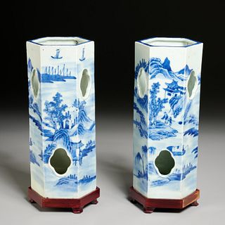 Pair Chinese blue and white hat stands