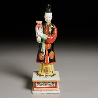 Chinese Export famille rose figure