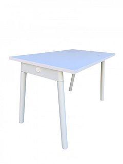 White Modern Desk designed in NEW YORK by Poppin
