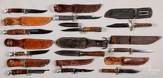 Fixed blade hunting knives and sheath