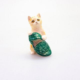 Royal Doulton Figurine, Cat with Slipper