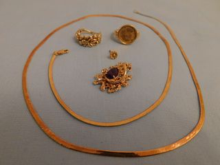 LOT ASSORTED GOLD JEWELRY
