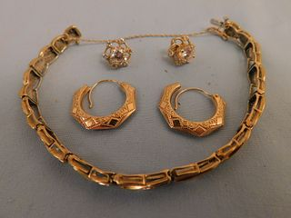GOLD BRACELET & EARRINGS