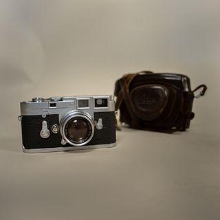 Cámara fotográfica Leica M3 / Leica M3 camera