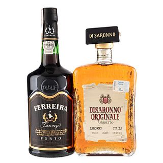 Oporto y Licor. a) Disaronno. Originale. licor de almendra. Italia. En presentación de 700 ml. b...