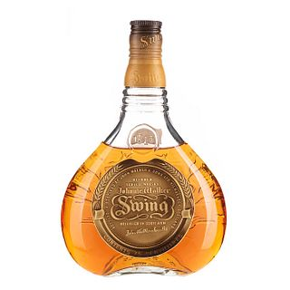 Johnnie Walker. Swing. Blended. Scotch whisky. En presentación de 750 ml.