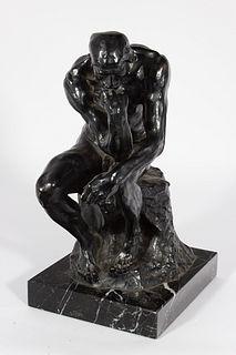 """""""El pensador"""". Escultura en bronce sobre peana de mármol del siglo XX. Siguiendo modelos de Auguste Rodin. Firmada."""