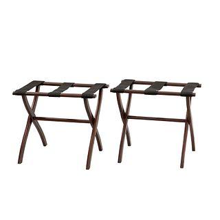 Lote de 2 porta equipajes. Siglo XXI. Estructura de madera. Diseño plegable. 50 x 57 x 35 cm c/u
