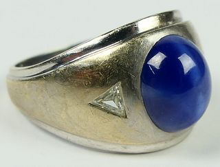 GENTS VINTAGE 14KT W GOLD STAR SAPPHIRE RING