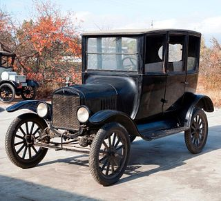 1921 Ford Model T Center Door Sedan