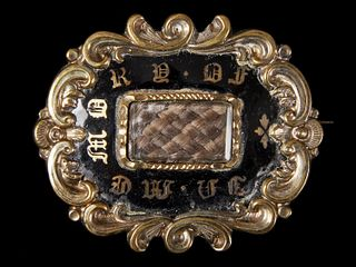 Fine Early Mourning Pin