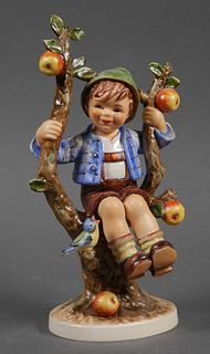 Large Hummel APPLE TREE BOY 142 TMK5
