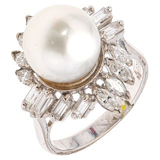 RING WITH PEARL AND DIAMONDS IN 18K WHITE GOLD, Weight: 8.5 g. Size: 7