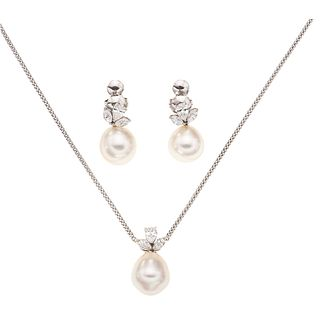 SET OF PENDANT AND PAIR OF EARRINGS WITH PEARLS AND DIAMONDS IN 14K WHITE GOLD Choker with carabiner clasp ...