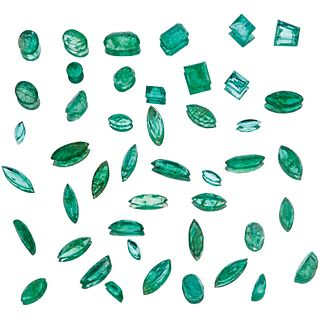 UNMOUNTED EMERALDS 29 Marquise cut emeralds, 9 faceted oval cut, 1 octagonal cut, 4 faceted rectangular cut (one chipped).
